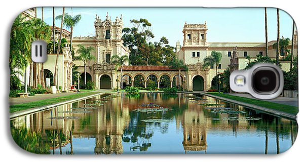 Reflecting Pool In Front Of A Building Galaxy S4 Case by Panoramic Images