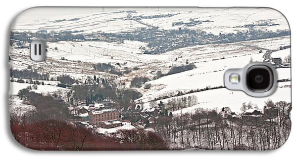 Remote Farmland On The Snow Covered Yorkshire Moors Galaxy S4 Case by Ken Biggs
