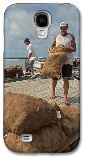 Unloading Harvested Oysters Galaxy S4 Case
