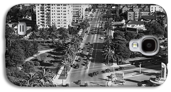 Wilshire Boulevard In La Galaxy S4 Case by Underwood Archives