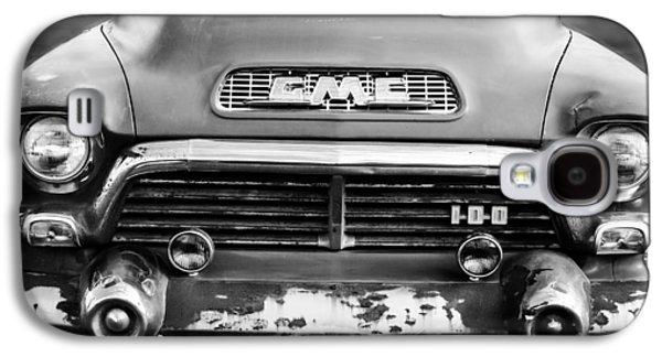 1957 Gmc V8 Pickup Truck Grille Emblem Galaxy S4 Case by Jill Reger