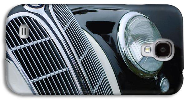1938 Bmw 327-8 Cabriolet Grille Emblem Galaxy S4 Case by Jill Reger