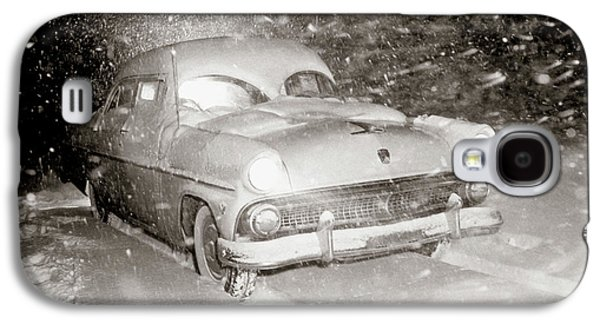 1950s Snow Covered Automobile Driving Galaxy S4 Case
