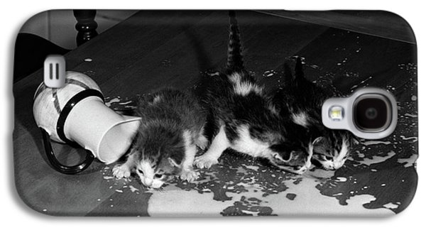 1950s Three Kittens On Table Top Galaxy S4 Case