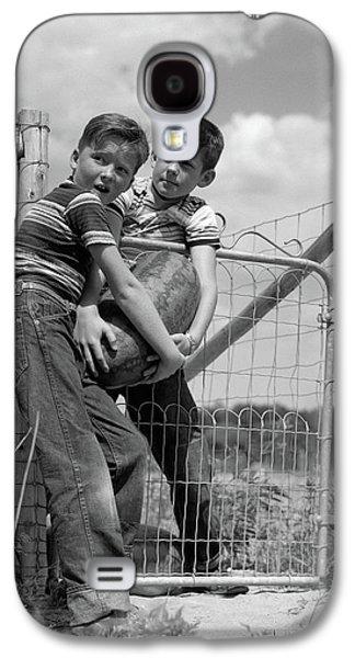 1950s Two Farm Boys In Striped T-shirts Galaxy S4 Case