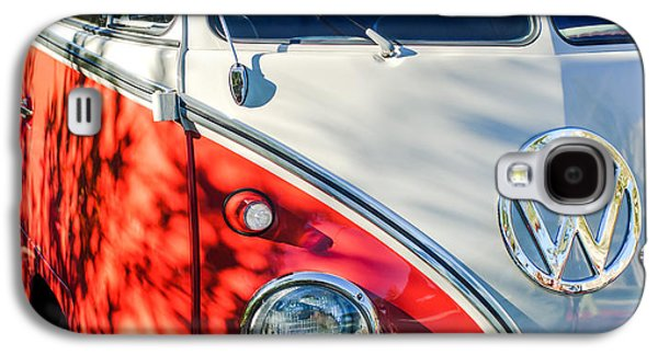 96 Inch Panoramic - 1961 Volkswagen Vw 23-window Deluxe Station Wagon Emblem Galaxy S4 Case by Jill Reger