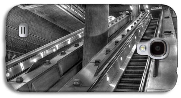 Canary Wharf Station Galaxy S4 Case by David Pyatt