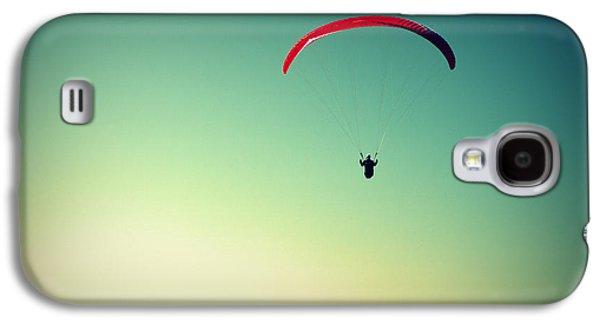 Paraglider Galaxy S4 Case by Chevy Fleet