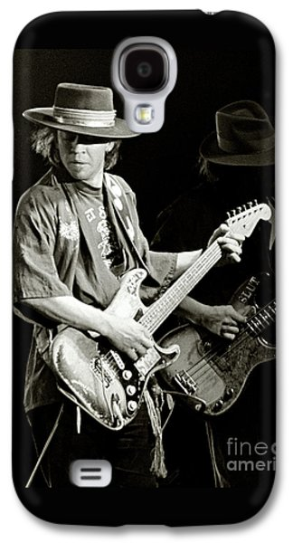 Rock And Roll Galaxy S4 Case - Stevie Ray Vaughan 1984 by Chuck Spang