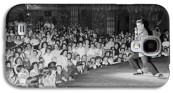 Elvis Presley In Concert At The Fox Theater Detroit 1956 Galaxy S4 Case by The Harrington Collection