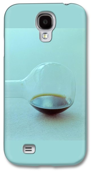 A Beaker With Vinegar Galaxy S4 Case by Romulo Yanes