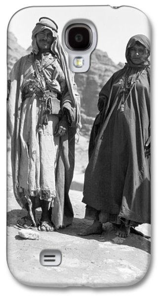 A Bedouin And His Wife Galaxy S4 Case by Underwood Archives