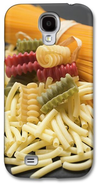 A Bundle Of Spaghetti And Various Types Of Coloured Pasta Galaxy S4 Case