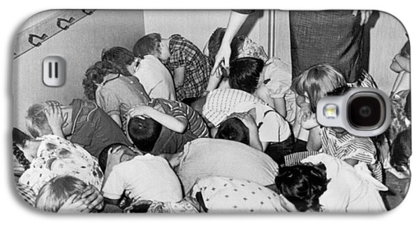 A Duck And Cover Exercise In A Kindergarten Class In 1954 Galaxy S4 Case by Underwood Archives