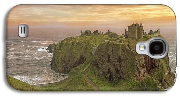 A Dunnottar Castle Sunrise - Scotland - Landscape Galaxy S4 Case