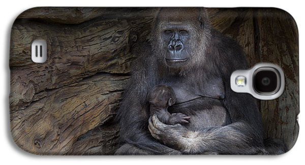 Gorilla Galaxy S4 Case - A Special Moment by Larry Marshall