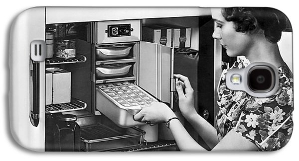 A Woman Making Ice Cubes Galaxy S4 Case by Underwood Archives