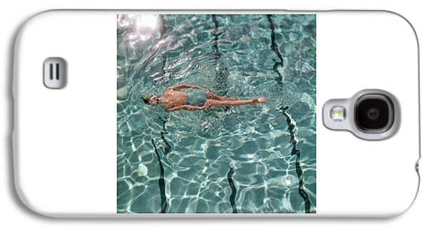 A Woman Swimming In A Pool Galaxy S4 Case