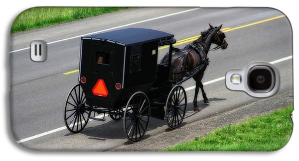 Amish Horse And Buggy In Ohio Galaxy S4 Case by Dan Sproul