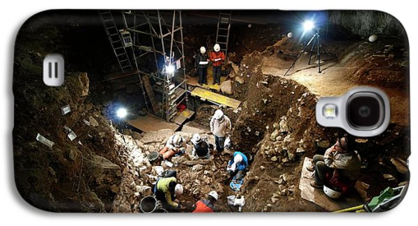 Atapuerca Fossil Excavation Galaxy S4 Case by Javier Trueba/msf