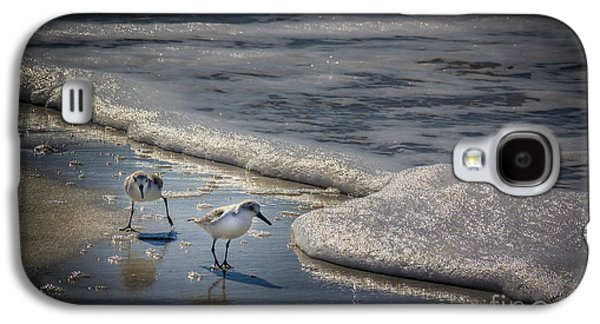 Sandpiper Galaxy S4 Case - Attack Of The Sea Foam by Marvin Spates