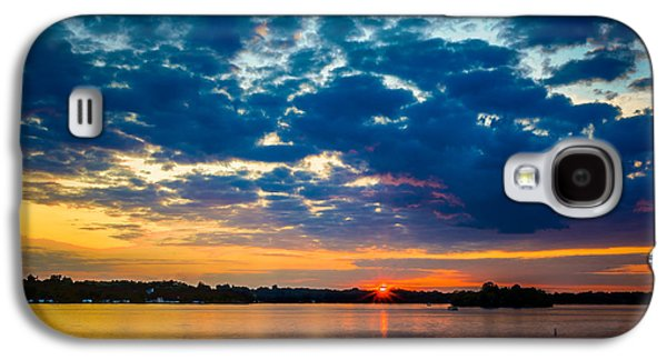 August Sunset Over Lake Nagawicka Galaxy S4 Case by Randy Scherkenbach