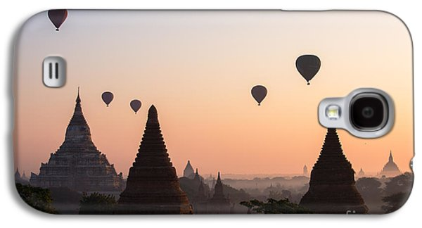 Travel Galaxy S4 Case - Ballons Over The Temples Of Bagan At Sunrise - Myanmar by Matteo Colombo