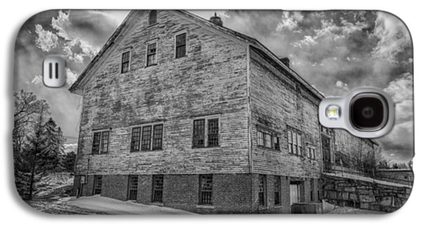 Barn At Amhi   7k00333 Galaxy S4 Case by Guy Whiteley