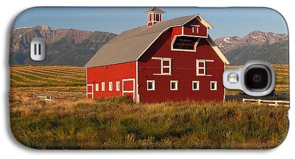 Barn In A Field With A Wallowa Galaxy S4 Case by Panoramic Images