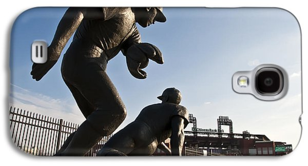 Baseball Statue At Citizens Bank Park Galaxy S4 Case by Bill Cannon