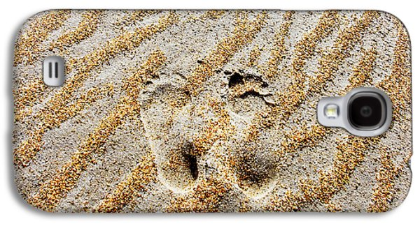 Beach Foot Prints Galaxy S4 Case by Sean Davey