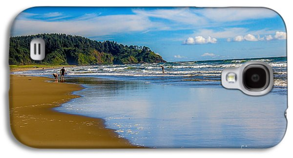 Beach Fun  Galaxy S4 Case by Robert Bales