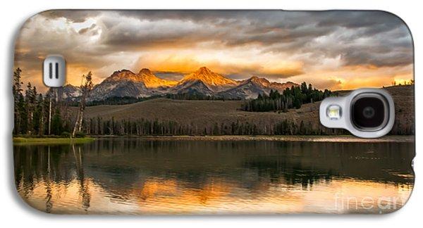Beautiful Sunrise On Little Redfish Lake Galaxy S4 Case by Robert Bales