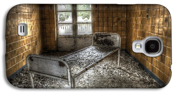 Beelitz Bed Galaxy S4 Case by Nathan Wright
