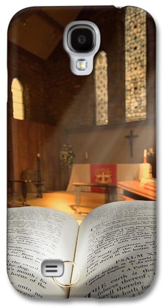 Bible With A Ring In Church Sanctuary Galaxy S4 Case by John Short