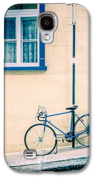 Bicycle Galaxy S4 Case - Bicycle On The Streets Of Old Quebec City by Edward Fielding