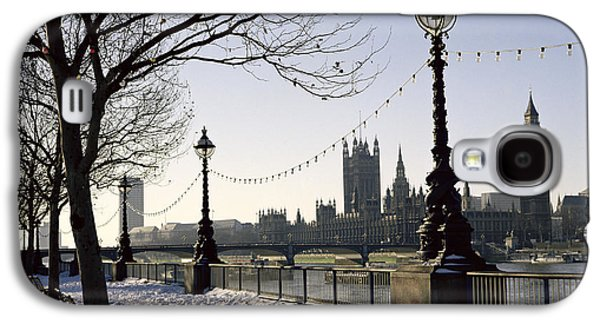 Big Ben Westminster Abbey And Houses Of Parliament In The Snow Galaxy S4 Case by Robert Hallmann