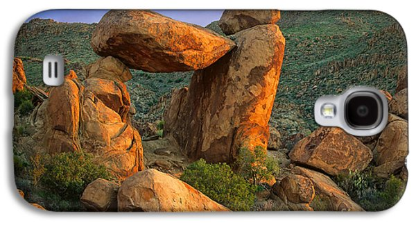 Big Bend Window Rock Galaxy S4 Case by Inge Johnsson