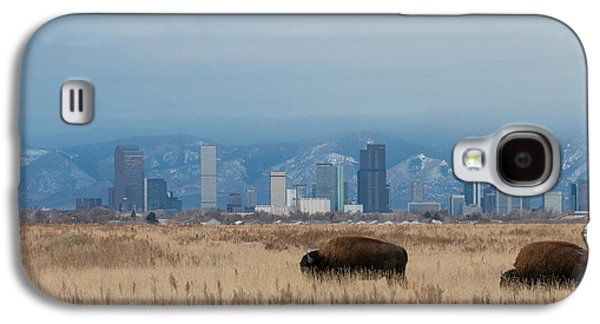 Skyline Galaxy S4 Case - Bison Graze With Denver Colorado In The Background by Tony Hake