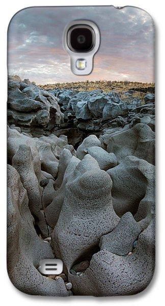 Black Magic Canyon Entrance Galaxy S4 Case by Leland D Howard