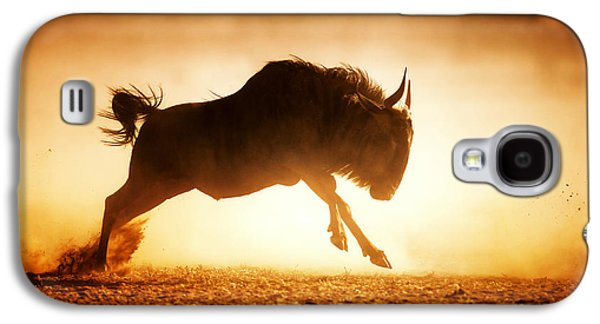 Blue Wildebeest Running In Dust Galaxy S4 Case by Johan Swanepoel