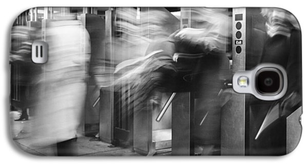 Galaxy S4 Case featuring the photograph Blurred In Turnstile by Dave Beckerman
