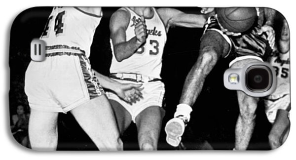 Bob Cousy Passes Basketball Galaxy S4 Case by Underwood Archives