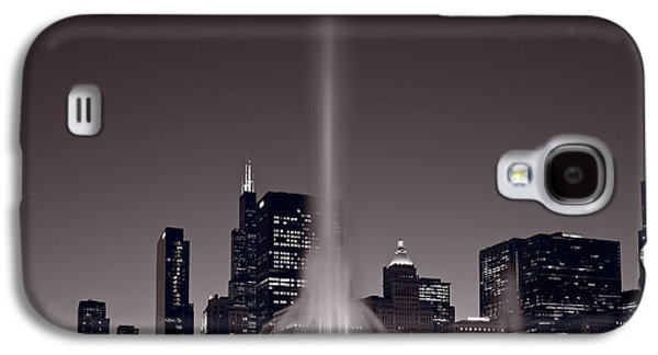 Chicago Galaxy S4 Case - Buckingham Fountain Nightlight Chicago Bw by Steve Gadomski