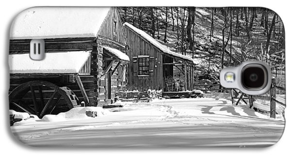 Cabin Fever In Black And White Galaxy S4 Case
