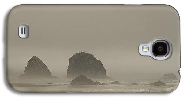 Galaxy S4 Case featuring the photograph Cannon Beach In A Fog Oregon by Yulia Kazansky