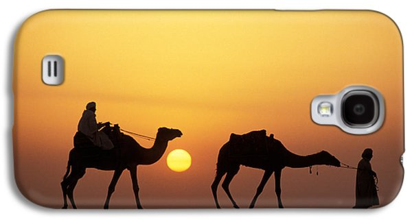 Desert Sunset Galaxy S4 Case - Caravan Morocco by Panoramic Images