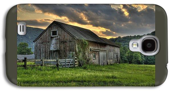 Casey's Barn Galaxy S4 Case