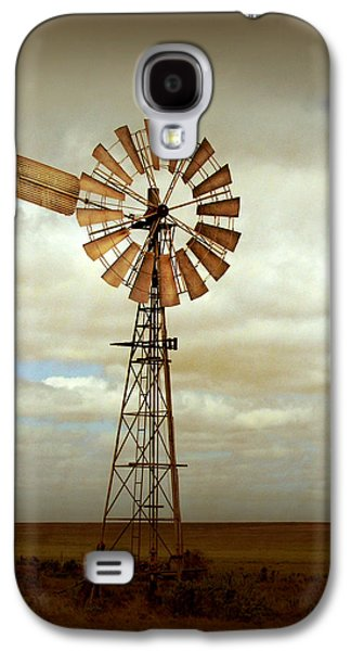 Rural Scenes Galaxy S4 Case - Catch The Wind by Holly Kempe