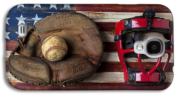 Catchers Glove On American Flag Galaxy S4 Case by Garry Gay